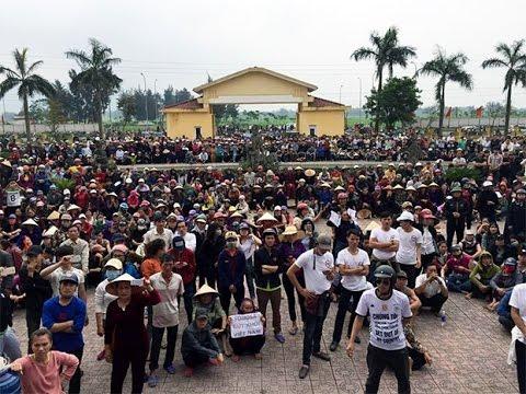 TIN NÓNG   Hàng Ngàn Người Dân Biểu Tình ở Huyện Lộc Hà   RFA Vietnamese News