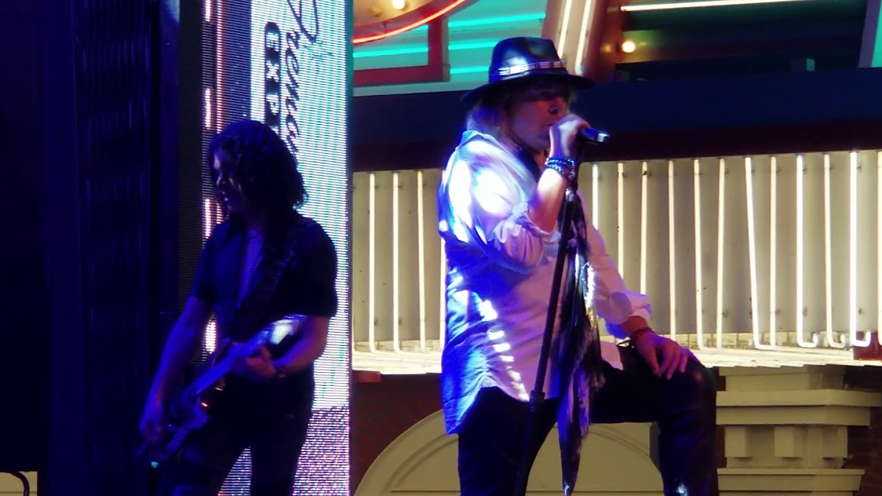 Alter Ego Preforming At Fremont Street Experience Downtown