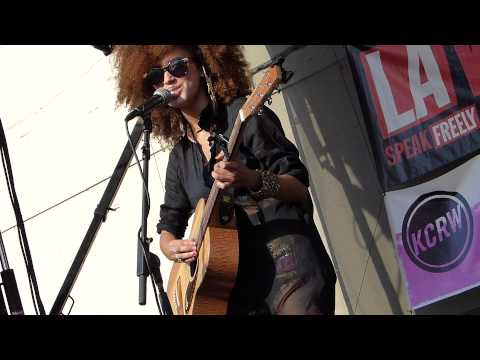 Andy Allo - Yellow Gold LIVE HD (2014) Make Music Pasadena Festival