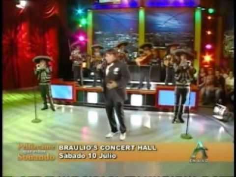 Eduardo Antonio le canta a Niurka Marcos