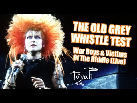 Toyah - War Boys & Victims Of The Riddle Live