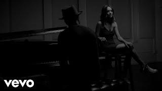 Liz Huett - STFU & Hold Me (Acoustic)