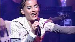 Nelly Furtado Turn Off The Light Live At All That 09 06 2000