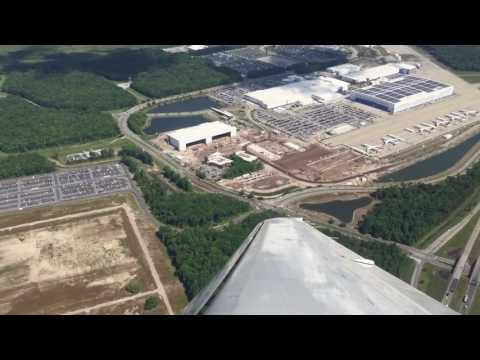 Flying over Boeing - Charleston, South Carolina - Dreamlifter & 787
