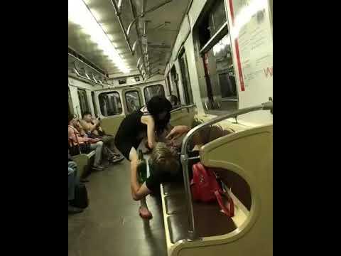 азиатки изменяют мужу на вагоне метро видео студентка первого курса