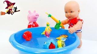Peppa Pig y la Bebé Pescan Peces Mágicos
