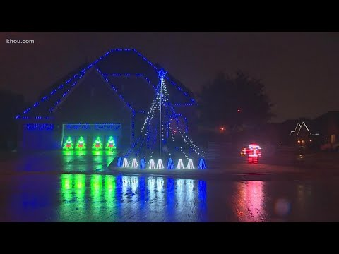 Holiday lights at Houston home go viral on social media
