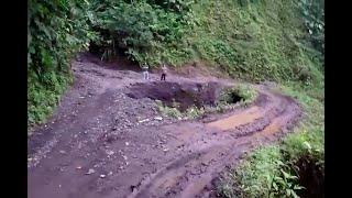 """""""Por acá no vienen ni los ladrones"""": denuncian mal estado de vías en Yacopí, Cundinamarca"""