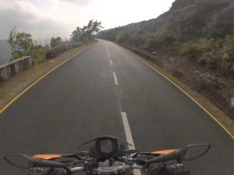 KTM DUKE 390 - The roads of Cherrapunji 1