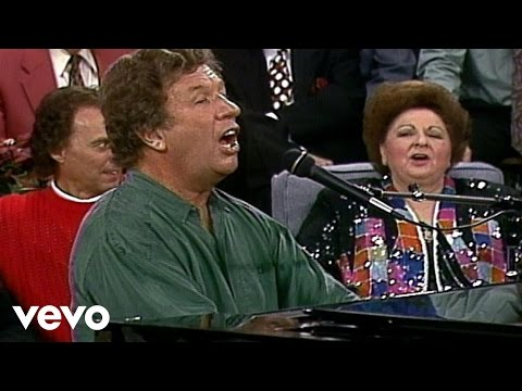 Bill & Gloria Gaither - Winter Wonderland (Live)