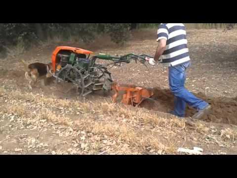 Aratura goldoni 719 youtube for Aratro per motocoltivatore goldoni