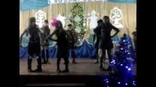 Прикольный Шотландский танец.(В этом видео показан юмористический танец( Шотландия )., 2013-01-14T05:30:55.000Z)