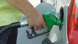 إنخفاض  أسعار النفط تؤدي إلى تراجع أسعار الوقود - markets