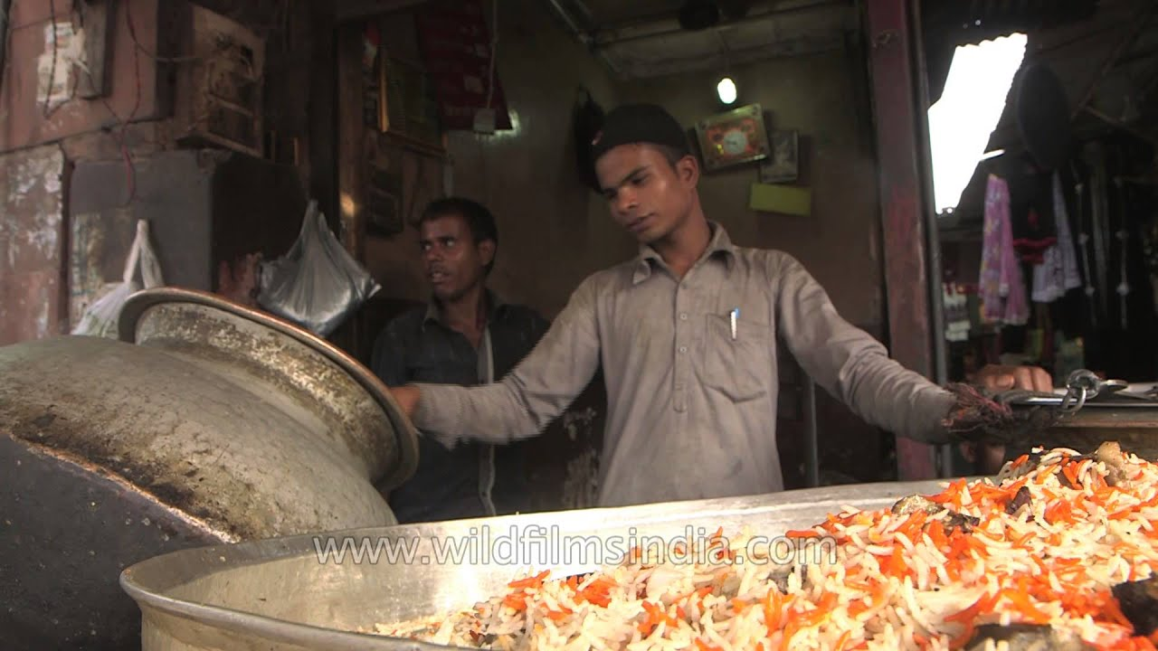 shop selling the famous biryani of old delhi near jama masjid youtube. Black Bedroom Furniture Sets. Home Design Ideas
