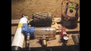 Компресор для биогазовой установки(Всем привет! Продолжаю снимать видео из серии про биогаз. Получилось достать компрессор, я снял его с холоди..., 2015-12-27T20:32:50.000Z)