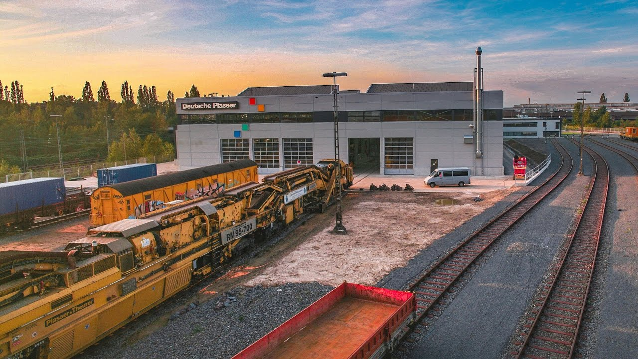 rail transport track The federal railroad administration (fra) is ranked by its employees as one of the top-rated agencies to work for help us make the country's railroads and transportation systems faster and safer.