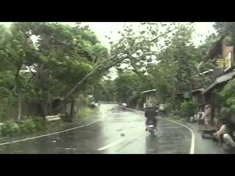 super-typhoon-haiyan-hits-the-philippines
