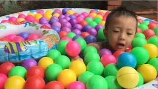 Tung Tom Play with Ball Pit Show
