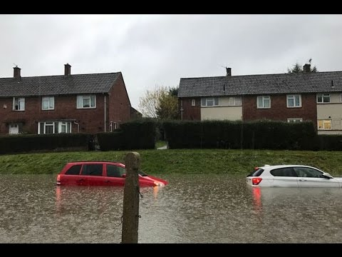 Uk Weather Storm Barbara Threat Closes 100 Schools And Nurseries As 90mph Winds To Hit The Uk