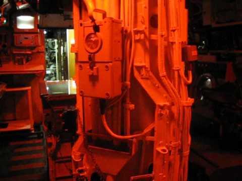 Int rieur du sous marin le flore base sous marine de for Interieur sous marin