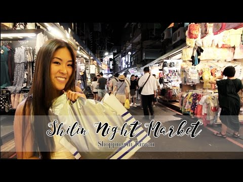 Being Indecisive at Shilin Night Market | Shopping in Taiwan