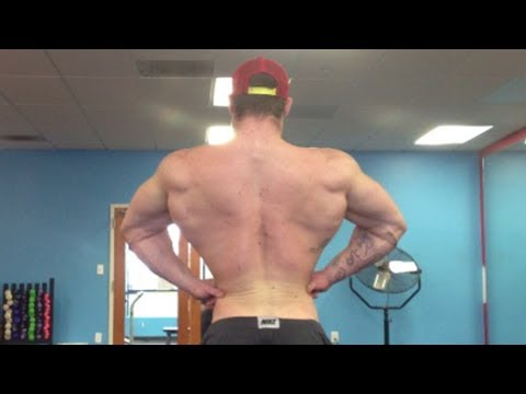 22yo bodybuilder ripped flexing at jockmenlive 8