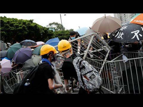 À Hong Kong, affrontements violents en marge d'une nouvelle manifestation de masse