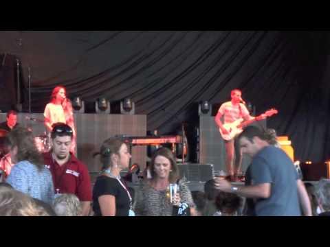 """Kate Earl, """"All I Want"""" (Live) @ Sleep Train Pavilion (7-23-2013)"""