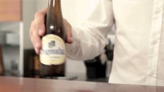 Serve a perfectly chilled Hoegaarden.
