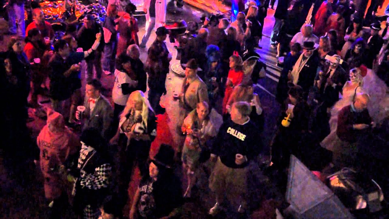 bourbon street new orleans halloween 2011 - New Orleans Halloween Parties