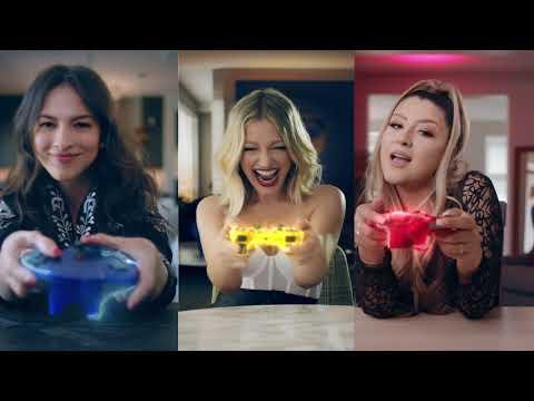 Смотреть клип Fanny Lu, Paty Cantú & Melanie Pfirrman - En Mis Tacones