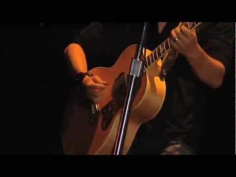 Nickelback - Savin' Me (Live 2006)