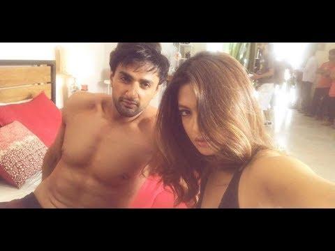 Riya Sen Forcefully Pulls Down Her Ragini MMS Returns Co Star's Pants | রিয়া সেনের হট দৃশ্য thumbnail