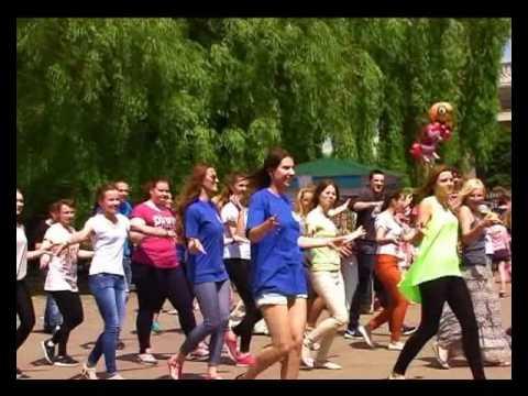 Видео: Танцевальные флешмобы