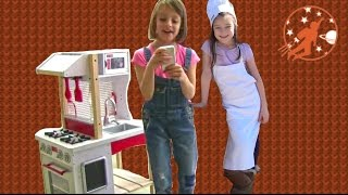 Kidkraft Modern Island Kids Toy Kitchen - Unboxing, Review and Pretend Cooking with Play Kitchen