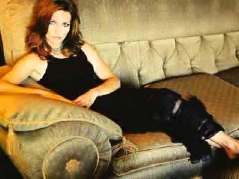 Martina McBrideA Broken Wings