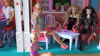 Видео с куклами Барби, эпизод 422, Келли плохо ведет себя с людьми, Барби неудобно, Урок от Бекки