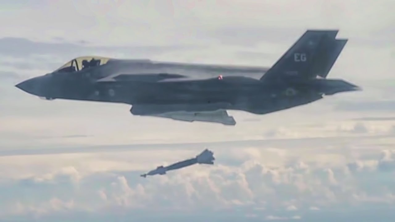Falling Images Live Wallpaper F 16 Fighter Jet Cockpit View Of F 35 Dropping Bombs Youtube