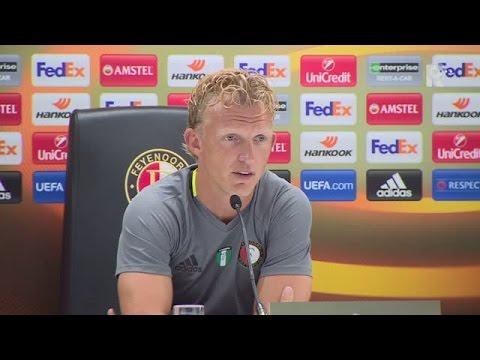 De persconferentie met Dirk Kuyt voor Feyenoord - Manchester United