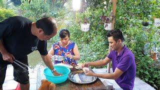 Thanh niên Tuấn Móm trổ tài vào bếp làm bánh đãi cả nhà | Thanh Niên Miệt Vườn