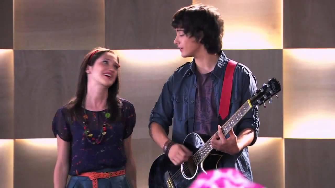 Violetta 2 - Francesca y Marco cantan Podemos en inglés (Ep 24 ...