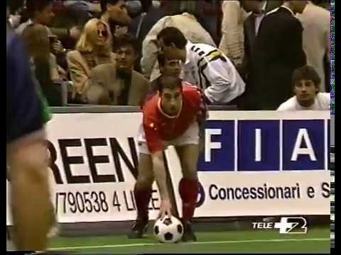 Gialappa's bandincontro di calcio tra artisti tv e  disk Jockey