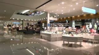 2015年6月11日にグランドオープン、ゆめタウン廿日市の店内の様子 1F店...