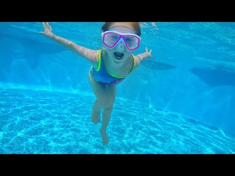 ADLEY LEARNS TO SWIM UNDERWATER!! My Secret Birthday Party In A Backyard Pool With The Family :)