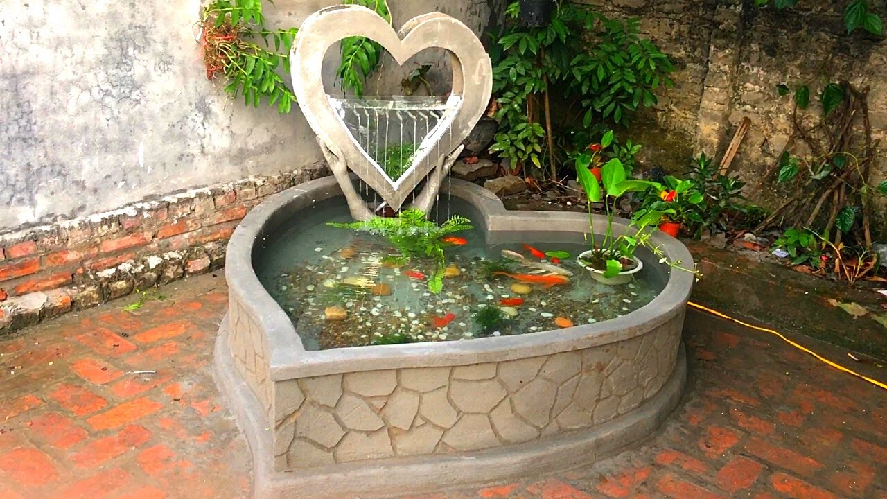 Awesome Idea from Cement, Old Tire and Plastic - Build a mini aquarium