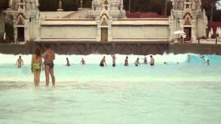 Siam Park Tenerife artificial waves pool / シャムパークテネリフェ人工波のプール thumbnail