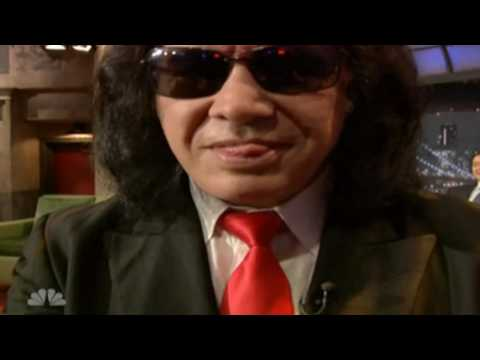 The tongue of Gene Simmons in action (HD)