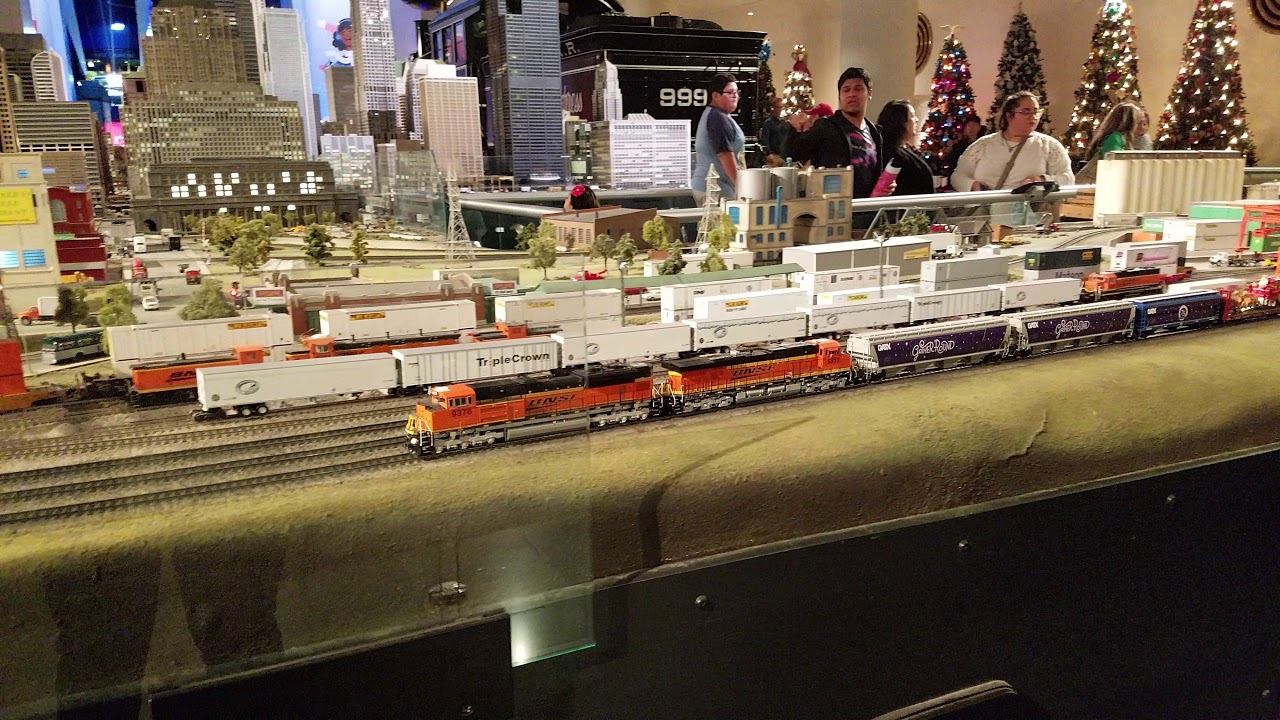 museum of science and industry ho layout featuring christmas train chicago and seattle - Christmas Train Chicago
