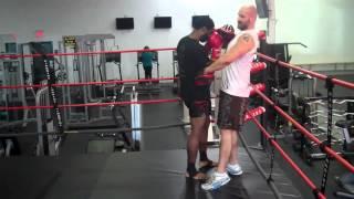 "Muay Thai / BOXING:""BULLY"" Uppercut Focus Mitt drill"