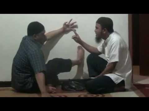 Shocking Video [Powerfull Ruqyah Against Magical Power 2]
